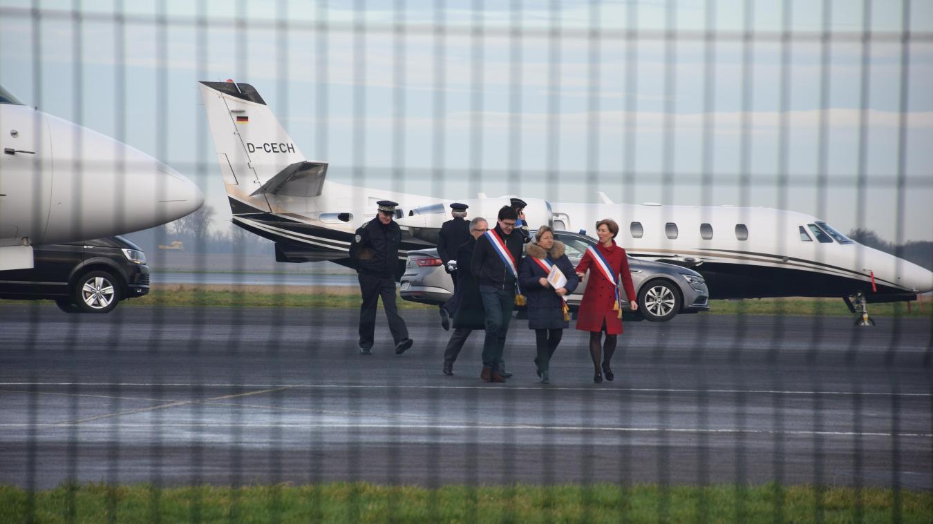 le-president-emmanuel-macron-a-atterri-a-l'aeroport-de-marck-ce-lundi-matin