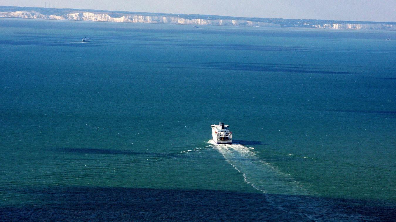 treize-migrants-sur-une-petite-embarcation-secourus-au-large-de-oye-plage