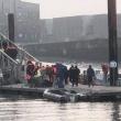 Malo : une embarcation de migrants s'échoue sur le brise-lames