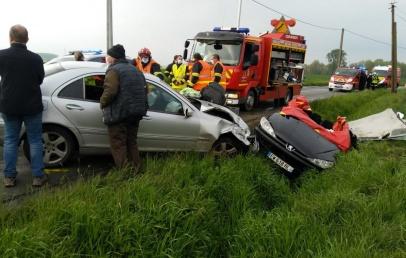 steenwerck-:-trois-blesses-dans-un-nouvel-accident-de-voiture-sur-la-d122