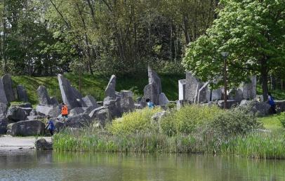 dunkerque:-se-perdre-dans-les-courbes-artistiques-du-jardin-des-sculptures-du-laac