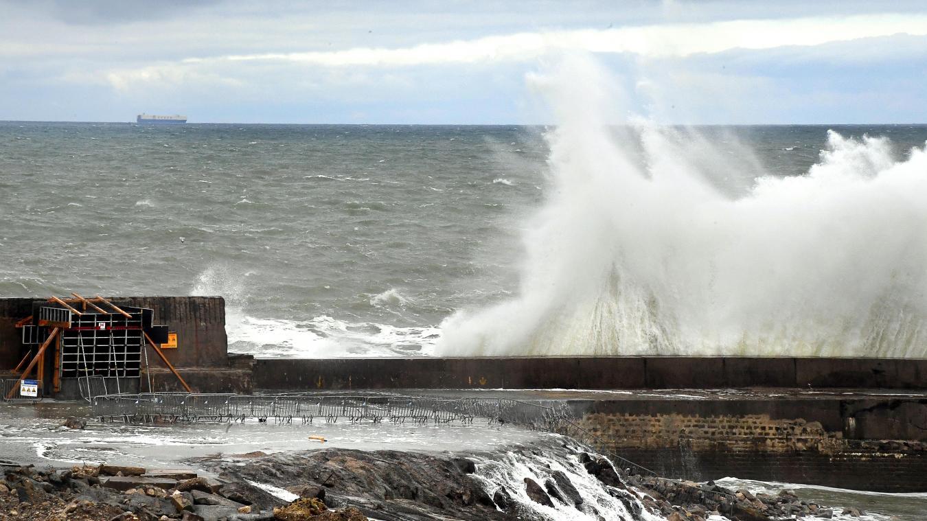 meteo:-des-rafales-et-une-mer-agitee,-prudence-jusqu'a-mardi-sur-le-littoral