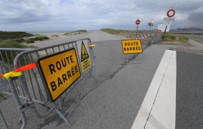 dunkerque:-la-digue-du-braek-interdite-aux-voitures,-mais-pas-aux-promeneurs