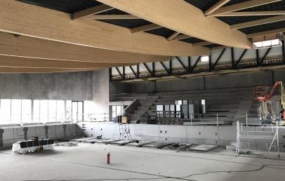 wormhout:-la-piscine-des-hauts-de-flandre-a-des-murs,-un-toit-et-des-bassins