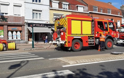 wormhout-:-un-debut-d'incendie-sur-la-grand-place-a-mobilise-d'importants-moyens