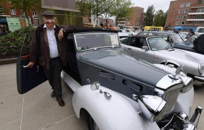 dunkerque:-pres-d'une-centaine-de-vehicules-anciens-actuellement-exposes-place-jean-bart