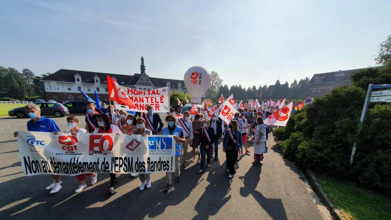 bailleul-:-la-manifestation-devant-l'epsm-des-flandres-a-commence