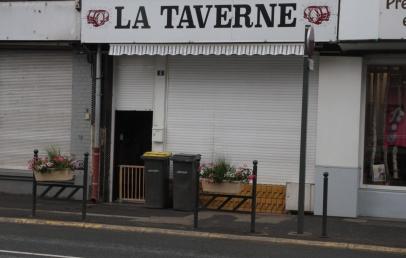 pourquoi-les-cafes-de-merville-etaient-tous-fermes-la-semaine-derniere-?